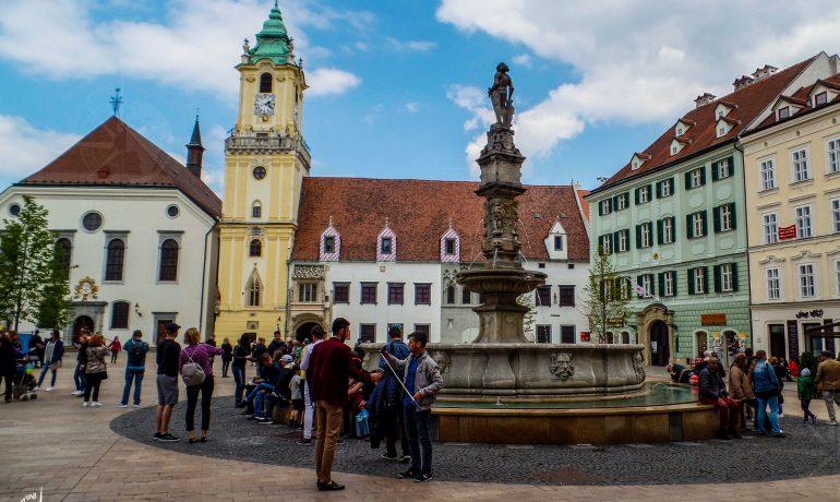 e2ebb236a Discovering Main Square (Hlavné námestie), Bratislava — Discovering ...