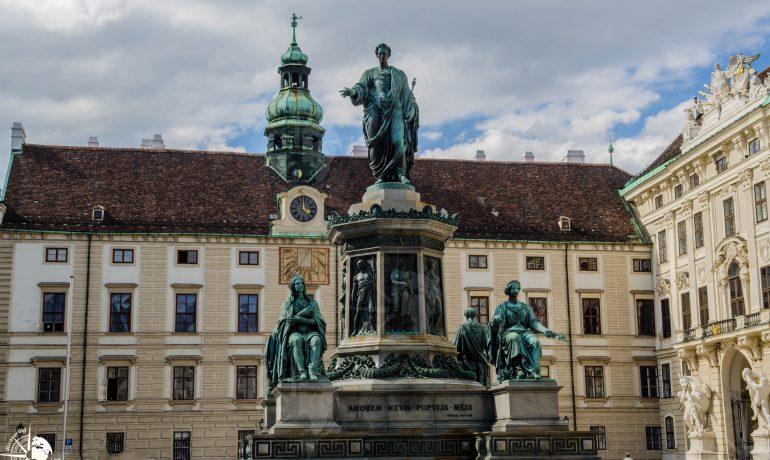 Discovering Heldenplatz