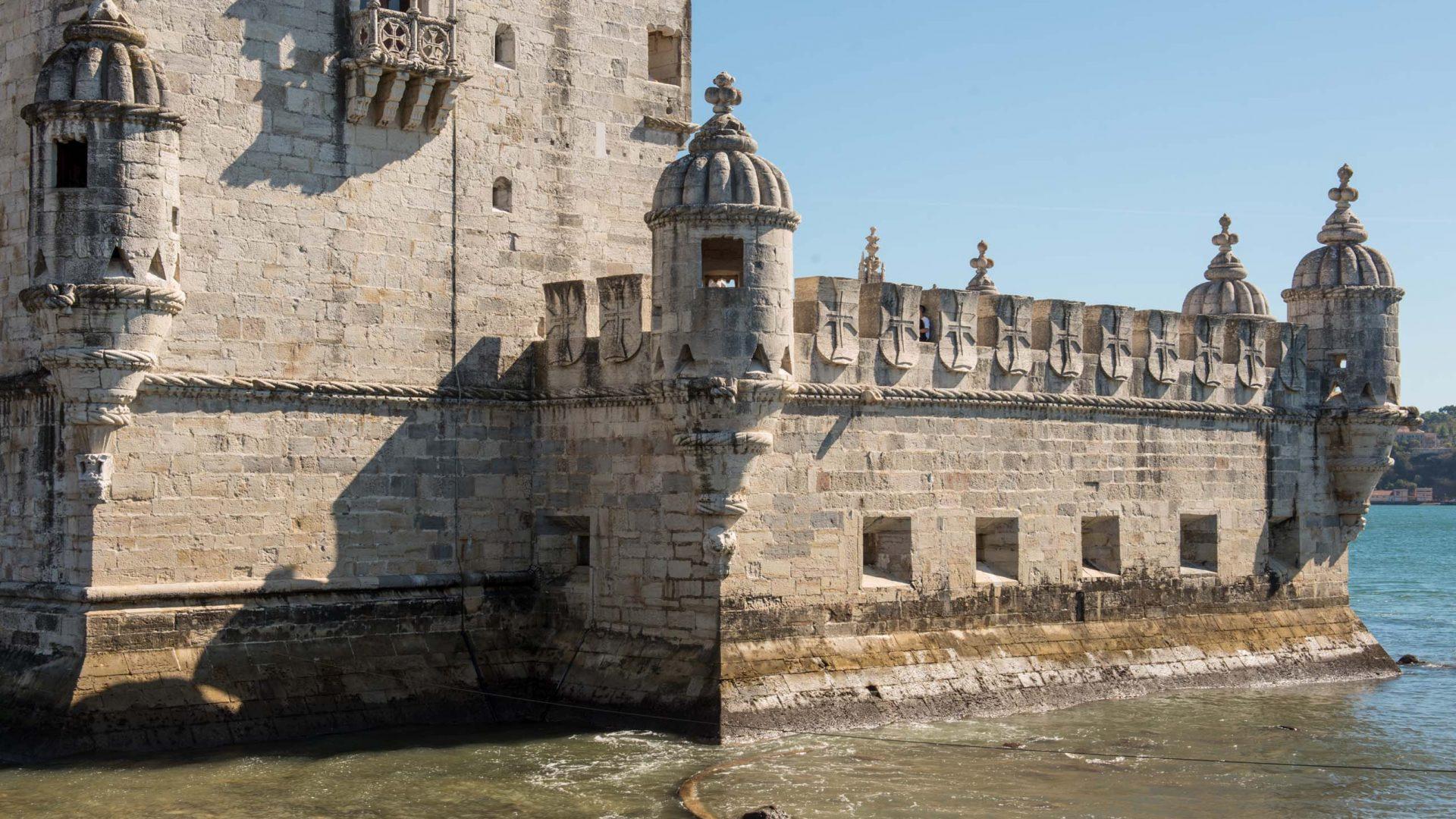 Combine the Belém Tower and the Padrão dos Descobrimentos