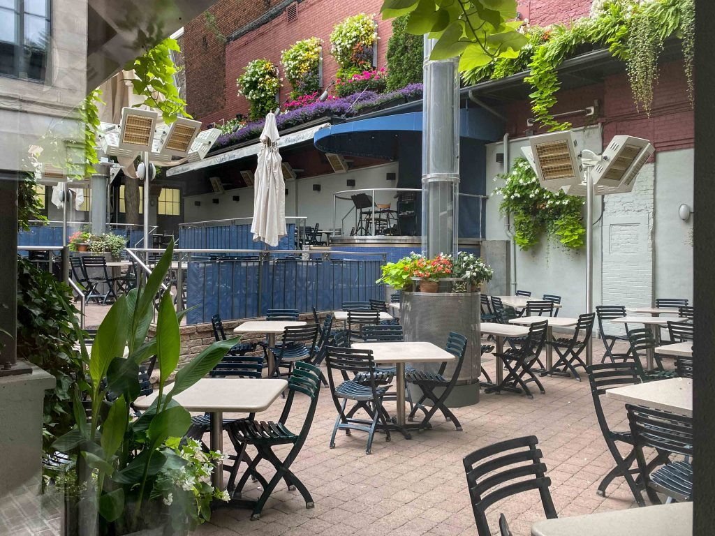 Jardin Nelson in Old Port Montreal