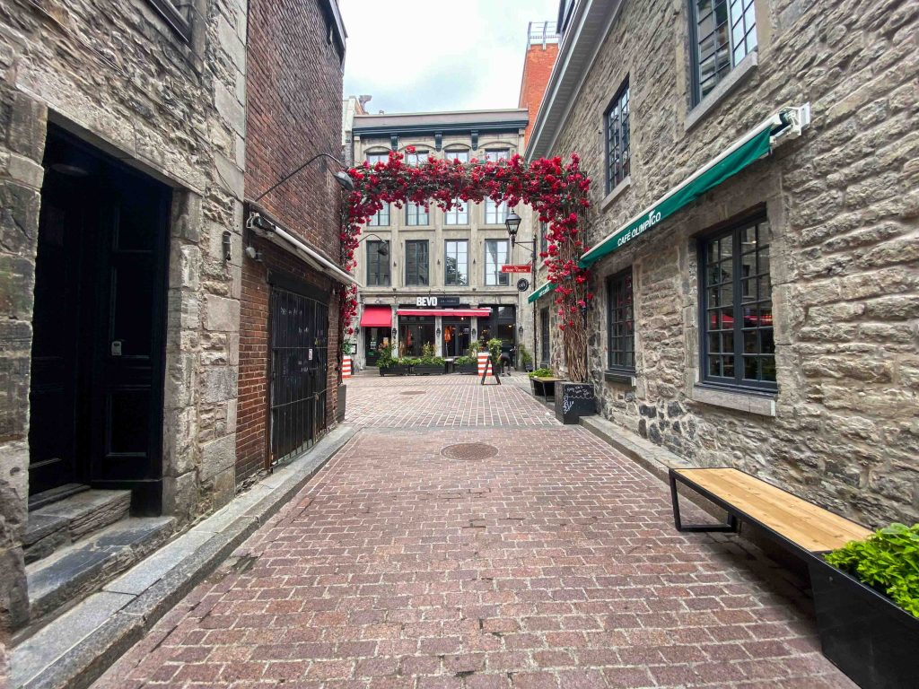 Old Port Montreal in one day - St Amable street